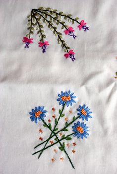 Flores Bordado Almofada