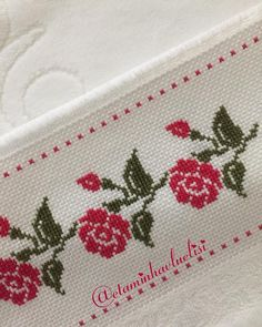 Cross Stitch Boarders, Cross Stitch Flowers, Cross Stitch Designs, Cross Stitching, Cross Stitch Embroidery, Cross Stitch Patterns, Hand Embroidery Design Patterns, Hand Embroidery Flowers, Cross Stitch Beginner