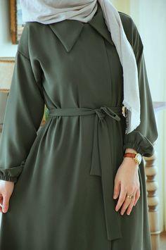 Hijab Fashion Summer, Modest Fashion Hijab, Abaya Fashion, Muslim Fashion, Skirt Fashion, Modesty Fashion, Mod Fashion, Fashion Women, Winter Fashion