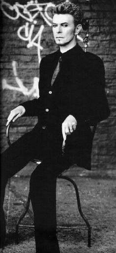 David Bowie  check out more vintage items at:   https://www.etsy.com/shop/chrisTINcompany?ref=hdr_shop_menu