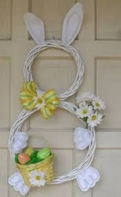 Look at these amazing Easter bunny decorations for this Easter. Bunnies are one of the important symbols for Easter holiday. There are very creative Easter Kids Crafts, Easter Crafts For Adults, Bunny Crafts, Easter Bunny Decorations, Easter Wreaths, Easter Decor, Easter Ideas, Spring Wreaths, Easter Centerpiece