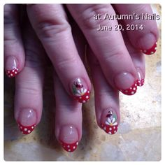 Blue tips nails with white flowers with blue rhinestone in the polka dots on the red tip nails with white flower daisy and a lady buy mightylinksfo