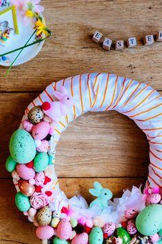 paas krans- Krans met paas decoraties- easter wreath- easter- diy- http://www.mylucie.com