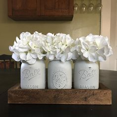 What would our grandmothers think of what we do with the #masonjars that they put up their winter rations in? Just beautiful! This pretty set is available in my Etsy shop-->>��link in my bio ��#masonjars #farmhouse #farmhousestyle #centerpiece #homedecor #etsy #etsyshop #vase #storage #craftroom #organization #powderroom #kitchendecor #staycreative http://gelinshop.com/ipost/1528023055666146814/?code=BU0oN-Rlm3-