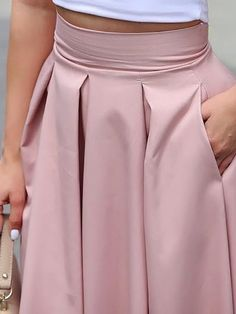 Shop Sleeveless Cropped Top & Pleated Skirt Sets right now, get great deals at topsmoda Trend Fashion, Look Fashion, 70s Fashion, Fashion Online, Fashion Tips, Casual Skirt Outfits, Indian Designer Outfits, Sleeveless Crop Top, Winter Outfits Women