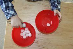 Spooning snowballs Preschool Themes, Snowball, Winter Snow, Teacher, Nursery, Activities, Education, Learning, Trays