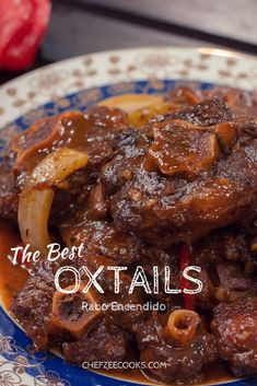 cooking tips - Dominican Oxtail Stew Rabo Encendido Made To Order Chef Zee Cooks Oxtails are INSANELY delicious! My oxtails are to die for and the perfect blend of Dominican and Caribbean flavors Feel free to have fun and make this dish as spicy a Cuban Recipes, Jamaican Recipes, Meat Recipes, Cooking Recipes, Soul Food Recipes, Haitian Food Recipes, Spanish Recipes, Snacks Recipes, Quick Snacks