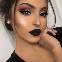 Amazing Top 20 Bold Makeup Ideas To Make You Look More Beautiful https://www.tukuoke.com/top-20-bold-makeup-ideas-to-make-you-look-more-beautiful-19868