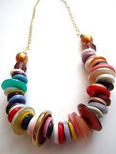 Colar de botões.  Retro button necklace #tutorial