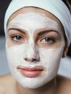 DIY Face Masks for Every Skin Problem - Super Soothing & Tightening Face Mask - Easy Homemade Face Masks For Blackheads, For Acne, For Dry Skin and Remedies That Will Make Your Skin Glow - These Peel Ideas are Great For Teens and For Kids - Coconut Oil Re Easy Homemade Face Masks, Diy Face Mask, Health Guru, Health Trends, Beauty Care, Beauty Hacks, Beauty Tips, Beauty Products, Beauty Box