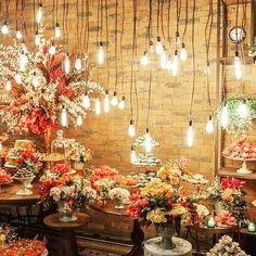 Que tal você optar por um casamento industrial, Olha que decoração linda!🎆🎊🌌 #weddingdecor #weddingphoto #weddingdecoration #decoration #decor #decoracion #beautiful #industrial #casamentoindustrial #lightson #weddinglights