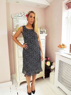 Vintage 90 s Polka Dot Spotty CHIFFON Vintage MIDI Tea Dress 10 12
