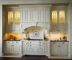 Home Improvement – Old World Kitchen Design Ideas white Victorian kitchen with lighted glass cabinets and extensive moldings Kitchen Remodel, Traditional Kitchen, Country Kitchen, Old World Kitchens, Kitchen Interior, French Country Kitchens, Interior Design Kitchen, Victorian Kitchen, French Country Kitchen