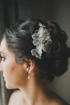 lace hair accessory made of vintage brooches // photo by Heidi Ryder // http://ruffledblog.com/santa-monica-garden-wedding