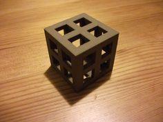 3D Printed Pen Holder Cube in Bronze | Cube Imprimé en 3D en Bronze