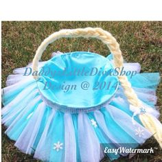 Hey, I found this really awesome Etsy listing at https://www.etsy.com/listing/217155588/blue-white-birthday-baskets-turquoise