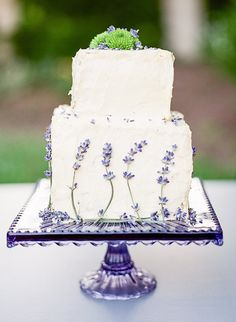 Sweet 1950s Inspired Wedding Ideas in Lavender and Green by Wendy Cooper Photography