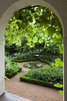 Brilliant Garden Path And Walkways Design Ideas 24