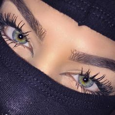 Image de eyes, eyebrows, and makeup Aesthetic Eyes, Badass Aesthetic, Bad Girl Aesthetic, Gorgeous Eyes, Pretty Eyes, Beautiful Mask, Rauch Fotografie, Thug Girl, Gangster Girl