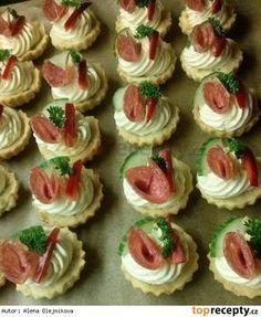 Slané košíčky s Nivou Salty Foods, Salty Snacks, Amazing Food Decoration, Czech Recipes, Food Displays, Aesthetic Food, Yummy Appetizers, Creative Food, Food Design