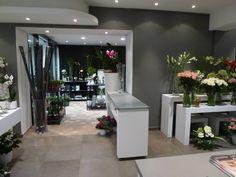 Int rieurs de magasins sur pinterest design d 39 int rieur for Interieur gris et blanc