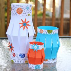 Paper lanterns: Summer nights are perfect for enjoying dinner on the deck or patio. You can add a touch of color and light with these DIY paper lanterns. They're simple to make, and can be created in a variety of sizes and colors. - Tutorial on website. Luau Crafts, Hawaiian Crafts, Hawaiian Theme, Vbs Crafts, Camping Crafts, Diy And Crafts, Crafts For Kids, Paper Crafts, Diy Paper