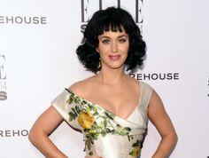 """According to Deadline, the """"Gossip Girl' reboot is coming to HBO Max! Katy Perry, Gossip Girl Reboot, Celebrity Gossip, Celebrities, Gossip News, Tops, Entertainment, Women, Style"""