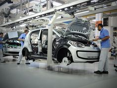 Volkswagen cortará 30 mil postos de trabalho; Brasil será afetado - http://anoticiadodia.com/volkswagen-cortara-30-mil-postos-de-trabalho-brasil-sera-afetado/
