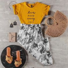 Compra colombiano Marca colombiana #colombianbeauty #colombianbrand  #buyonline #skirt #midi  #trendy #outfit #short #culotte #croptop #enterizo  #sandalias #tacones #t-shirt #blusa Colombian Beauty, Short, Straw Bag, Instagram, Bags, Fashion, Shopping, Branding, Silhouettes