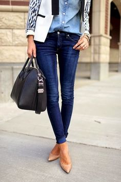 Need jeans that flatter your figure during any season? Sport some denim skinny pants with your favorite blouse, light jacket, and heels for a polished yet casual look!