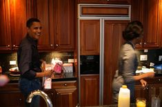 The young Obama's at home - completely radom old pic.
