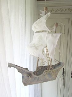 Sailing Ship in Paper Mache (pirateA)by Etsy Shop lilliputloft… Making Paper Mache, Paper Mache Crafts, Flying Ship, Ann Wood, Multimedia Arts, Driftwood Art, Etsy Shop, Shops, Paper Boats