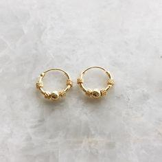Gold Heart Stud Earrings/ Minimalist Earrings/ Heart Earrings/ Rose Gold Earrings/ Gift for Her/ Dainty Earrings/ Graduation Gift - Fine Jewelry Ideas Gold Star Earrings, Bar Stud Earrings, Simple Earrings, Boho Earrings, Vintage Earrings, Crystal Earrings, White Gold Bridal Jewellery, Star Jewelry, Fantasy Jewelry