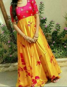 plane anarkali Indian Long Gowns, Indian Gowns Dresses, Long Gown Dress, Frock Dress, Kids Dress Wear, Party Wear Dresses, Sari Blouse Designs, Dress Neck Designs, Long Frocks For Kids