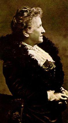 """Princesa Isabel - 1846/1921 - """"Acabo sanccionar a lei da extincção da escravidão. Abraço Papae com toda a effusão do meu coração. Muito contentes com suas melhoras. Comungamos hoje por sua intenção."""" [Bilhete da Princesa Isabel a seu pai, datado de 13 de maio de 1888, comunicando a abolição da escravatura no Brasil."""