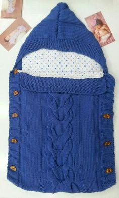 Saco de bebé tejido en merino de Virginia Patchwork Baby, Baby Cocoon, Baby Necessities, Dear Mom, Baby Vest, Baby Kind, Baby Knitting Patterns, Crochet Yarn, Little Babies