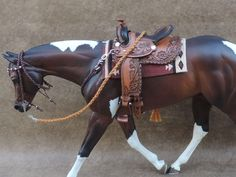 CM WESTERN SADDLE TRAIL OR PLEASURE  BREYER PETER STONE