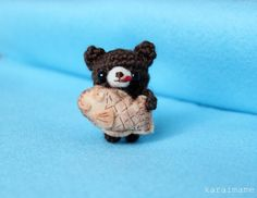 little amigurumi bear & taiyaki.. too cute! - karaimame