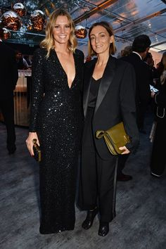Malin Jefferies and Phoebe Philo attend British Vogue's Centenary gala dinner at Kensington Gardens on May 2016 in London, England. Celine, Girl Outfits, Fashion Outfits, Women's Fashion, Phoebe Philo, Gala Dinner, Blonde Beauty, Celebrity Photos, Celebrity News