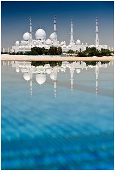 Dubai vacations Illustration Description Pray for the Light of the Lord to shine on all those in Abu Dhabi. – Sheikh Zayed Grand Mosque, Abu Dhabi, UAE – Read More – Places Around The World, The Places Youll Go, Travel Around The World, Places To See, Around The Worlds, Abu Dhabi, Beautiful Mosques, Beautiful Buildings, Modern Buildings