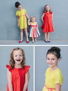 Family Picture Ideas at PagingSupermom.com #familypictures #funfamilyphotos #photoideas