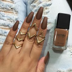 "Hot CoffeeI'm not gona lie I never thought i'd be rocking brown nails but this nail polish ""hot coffee"" by@zaporaofficial is bomb ~ I used@sally_hansen big top matte coat ~ Rings@forever21   @Glambymeli"