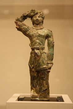 "Bronze, Late Minoan I, ca. His right hand raised ""in salute."" Some text from the Metropolitan Museum card. Creta, Ancient Art, Ancient History, Santorini, Minoan Art, Bronze Age Civilization, Collections D'objets, Beautiful Ruins, Mycenaean"
