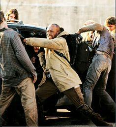 """S5 E16  """"Conquer""""  Morgan saves Daryl & Aaron."""