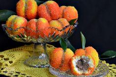 Piersici umplute cu crema - CAIETUL CU RETETE Watermelon, Food And Drink, Candy, Bar, Christmas, Sweet Treats, Deserts, Xmas, Sweets