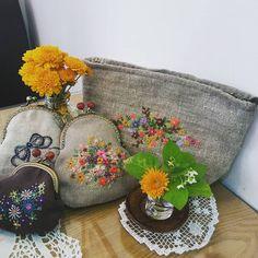 #Embroidery#stitch#needlework#hand made#pouch#purse #프랑스자수#일산프랑스자수#자수타그램#자수#자수소품#프레임손지갑#자수파우치 #나와 함께 외출할 이쁜이 누구??