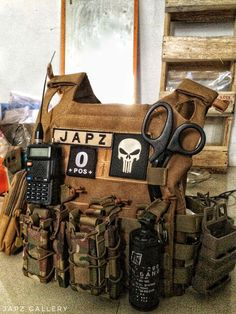 Airsoft hub is a social network that connects people with a passion for airsoft. Talk about the latest airsoft guns, tactical gear or simply share with others on this network Tactical Equipment, Tactical Vest, Tactical Survival, Airsoft Plate Carrier, Plate Carrier Setup, Armas Airsoft, Battle Belt, Airsoft Gear, Tac Gear