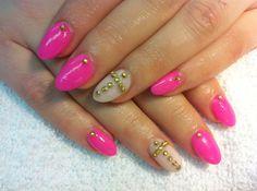 Embellished Nail Art www.salonfanatic.com