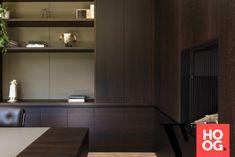 Karaktervolle villa in groene rand rond Antwerpen - Hoog ■ Exclusieve woon- en tuin inspiratie. Wardrobe Cabinets, Contemporary Interior, Building Design, Villa, Kitchen Cabinets, Interior Design, Architecture, Home Decor, Exterior