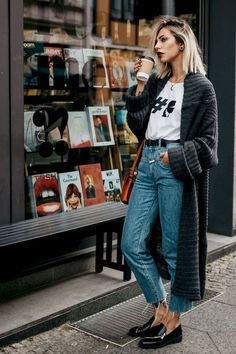 Awesome 80+ Fall Outfit Ideas with Cardigans for Women https://bitecloth.com/2018/01/17/80-fall-outfit-ideas-cardigans-women/ #cardiganfall